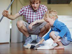 Educar a nuestros hijos en el aprendizaje paulatino de las tareas del hogar fomenta su autonomía, los hace responsables y sobre todo ayuda a avanzar en la igualdad de género