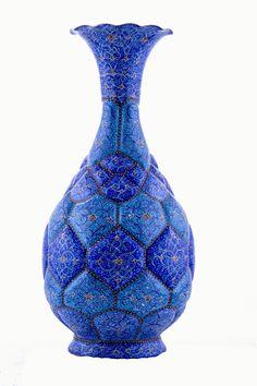 Mina-kari-Enamel-workig_vase-Isfahan.jpg (1728×2592)