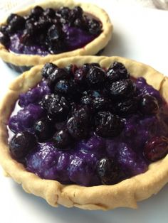 Blueberry- Purple Yam Tart : Filipino Flavors for Pie Day Purple Yam, Purple Food, Filipino Desserts, Filipino Recipes, Filipino Food, Blueberry Sauce, Blueberry Tarts, Blueberry Topping, Dessert Recipes