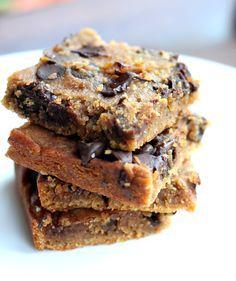 Flourless Chocolate Chip Chickpea Blondies with Sea Salt {vegan, gluten-free & healthy}