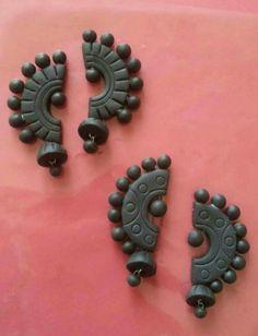 Terracotta Jewellery Making, Terracotta Jewellery Designs, Terracotta Earrings, Polymer Clay Crafts, Polymer Clay Jewelry, Clay Earrings, Fabric Earrings, Ceramic Jewelry, Teracotta Jewellery