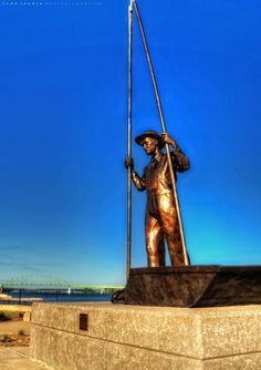 Clam Fisherman – Muscatine, Iowa. This statue on the Mississippi River represents the clam fishermen who supplied button makers there.