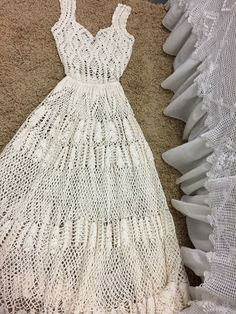 Image gallery – Page 359513982751269382 – Artofit Elegant Wedding Dress, Wedding Dresses, White Lace Maxi Dress, Irish Lace, Crochet Clothes, Diy Fashion, Knit Crochet, Summer Dresses, Crochet Dresses