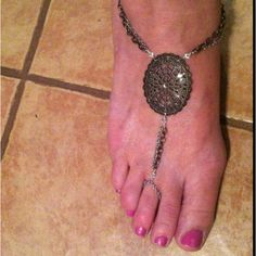 Barefoot Sandle/ toe ring anklet designed with U design jewelry  !!
