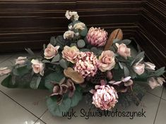 Kompozycje funeralne 2018 wyk. Sylwia Wołoszynek Funeral Flowers, Paper Flowers, Flower Arrangements, Bouquet, Garden, Wedding, Decor, All Saints Day, Mariage