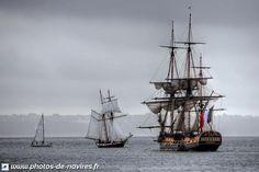 L'Hermione et La Recouvrance en rade de Brest.