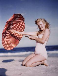 Marilyn- Inspiration for swimsuit!