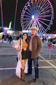 Rodeo season 🐮🐎🎡🍻 instagram: @gisellechavez_ #rodeo #ootd #cowgirl #cowgirloutfit #westernoutfit #westernfashion #couple #westerncouple #buckle #belt #corralboots #corral #westernboots #cowgirlboots #tejana #mexicana #piteado Summer Cowgirl Outfits, Cowgirl Style Outfits, Rodeo Outfits, Western Outfits, Western Wear, Summer Outfits, Cute Country Boys, Looks Country, Cute Country Outfits