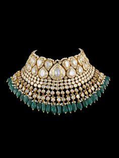 Shree laxmi jewellers Indian Wedding Jewelry, Indian Jewelry, Bridal Necklace, Bridal Jewelry, Wholesale Gold Jewelry, Girls Necklaces, Necklace Lengths, Polki Sets, Kundan Set