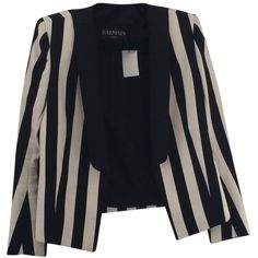 Pre-owned Balmain Striped Black/white Blazer ($995) ❤ liked on Polyvore featuring outerwear, jackets, blazers, button jacket, white and black striped blazer, black white striped jacket, balmain blazer and striped jacket