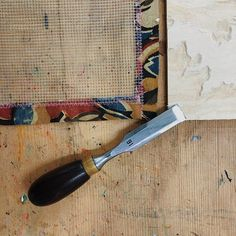 Kento chisel used for Japanese Woodblock Printing Woodblock Print, Printing, Carving, Japanese, Japanese Language, Wood Carvings, Wood Engraving, Sculpting, Cut Work