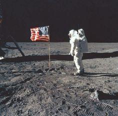 Momentos que han dejado marca: Neil Armstrong en 1969. Fue el primer ser humano en pisar la Luna.