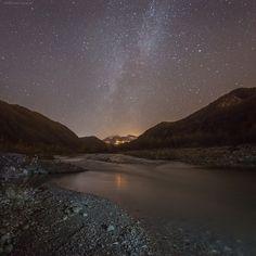 Cielo stellato sull'alta Valle del Secchia - Instagram by michelefornaciari Night Fever, Dark Side, The Darkest, River, Instagram Posts, Nature, Outdoor, Sky, Stars