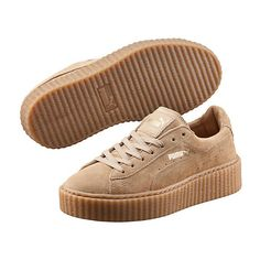 Puma PUMA BY RIHANNA MEN'S CREEPER ($120) ❤ liked on Polyvore featuring shoes, sneakers, creeper platform shoes, platform lace up shoes, narrow shoes, platform shoes and suede sneakers