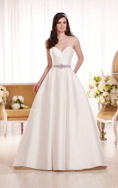 D1875 Sexy Sweetheart Neckline Wedding Dress by Essense of Australia