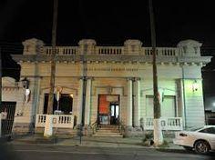 Calle Acuña entre Morelos y Matamoros