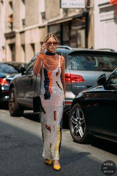 Haute Couture Fall / Winter Street Style: Caroline Daur Caroline Daur after the Acne fashion show. Mode Outfits, Fashion Outfits, Fashion Trends, Fashion Fashion, Cheap Fashion, Womens Fashion, Feminine Fashion, Fashion Lookbook, White Fashion
