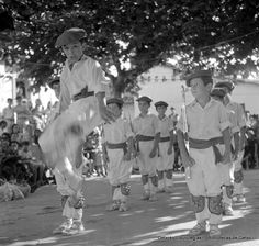 Fiestas del Puerto Viejo, 1971.  Actuación de un grupo infantil de  danzas (ref. SC0860) Foto: Eugenio Gandiaga