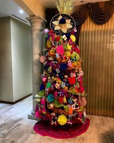 Mexican Christmas Decorations, Christmas Tree Themes, Holiday Tree, Xmas Tree, Christmas Tree Decorations, Christmas Crafts, Christmas Ornaments, Holiday Ideas, Mexico Christmas