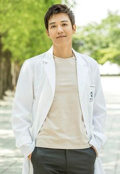 Kim Rae Won and Park Shin Hye transform into sexy doctors for Doctor Crush Asian Actors, Korean Actors, Korean Dramas, Doctors Korean Drama, Kim Rae Won, Romantic Doctor, Moorim School, Sung Kyung, Model Rok
