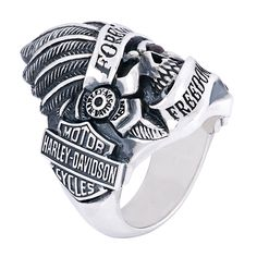 Harley-Davidson Skull Silver Ring by Thierry Martino, designed and crafted by bikers for bikers. #HDbyTM #TMsilverjewelry #TMsilverring #TMsilverskulls http://www.soulfetish.com/en/jewelry/harley-davidson/ring/hdr078