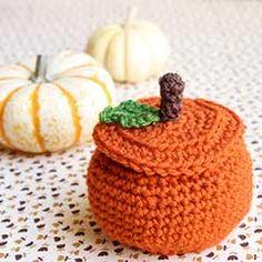 Download this free pattern at allcrochetpatterns.net Halloween pumpkin treat bowl