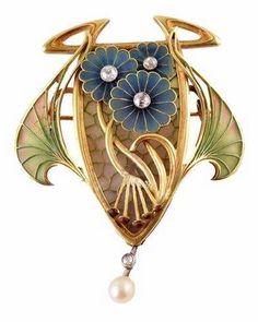 Art Nouveau Pendant/Brooch ca.1905.
