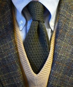 Shetland Tweed J. Press jacket, lambswool sweater, wool knit tie, B² OCBD with starch. The anchor: J. Press flannels and Alden cordovan cap toes. Staying quiet and warm.