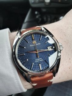 [Grand Seiko] at work : Watches Fancy Watches, Vintage Watches For Men, Luxury Watches For Men, Sport Watches, Cool Watches, Pocket Watches, Wrist Watches, Amazing Watches, Beautiful Watches