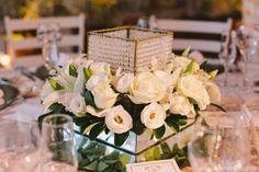 Arranjo para mesa de convidados, organização e cerimonial Zapp Eventos por Alice Acosta