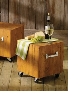 Use your wood scraps to create these beautiful outdoor stools. The stylish stools created from lumber ends can also double as a side table. #FathersDay