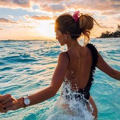 enjoy every day and every sunset like @caro_e_ is doing it in this beautidul picture   kapten-son.com