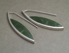 JEREMY LEEMING, NZ: CURVE EARRINGS - POUNAMU, STERLING SILVER