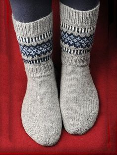 Socks is fashionable and cheap, come to Anniecloth to find out about the Clothing Knitting Charts, Baby Knitting Patterns, Knitting Stitches, Knitting Socks, Crochet Socks, Knit Crochet, Winter Socks, Wool Socks, Fair Isle Knitting