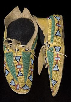 Arapaho Beaded Hide Moccasins, www.fairfieldauction.com
