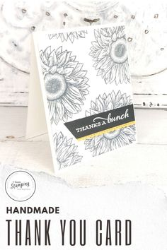 Quick and easy thank you cards don't have to be boring or plain. These DIY greeting cards can also be easily adapted to all kinds of other occasions. Click through to see how using a simple handmade card background with a pop of color can be so gorgeous! Bee Cards, Stampin Up Catalog, Free Paper, Basic Colors, Greeting Cards Handmade, Sunflowers, Your Cards, Thank You Cards, Color Pop
