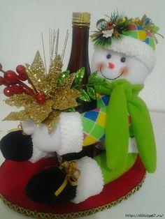 Felt Christmas Decorations, Christmas Snowman, Handmade Christmas, Christmas Time, Christmas Crafts, Xmas, Christmas Ornaments, Holiday Decor, Snowman Crafts