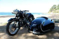 1967 BMW R - Motorcycle sidecar - motorrad frauen Vintage Motorcycles For Sale, European Motorcycles, Bmw Motorcycles, Vintage Bikes, Cafe Racer Motorcycle, Motorcycle Design, Scooters, Bike With Sidecar, Jeep Garage