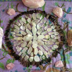 Crystal Mandala for birth altar? Crystals Minerals, Rocks And Minerals, Crystals And Gemstones, Stones And Crystals, Crystal Mandala, Crystal Grid, Healing Stones, Crystal Healing, Crystal Altar
