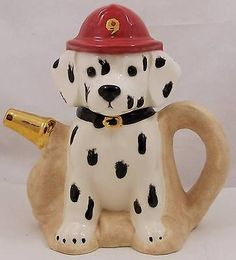 Vintage-Figural-Tea-Pot-Dalmatian-in-Fireman-Hat-and-Hose-Teapot-8-Tall