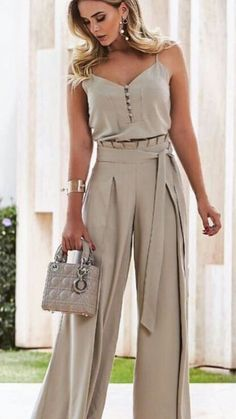 45 pantalones to update you wardrobe jumpsuit romper sleeveless playsuit Pin by Giannoulaki marily on Trends outfit 2018 in 2019 Sweater cardigan required I would never show my arms but I like this Luxe Fashion New Trends - Page 6 of 2668 - Luxe Casual St Classy Outfits, Chic Outfits, Beautiful Outfits, Look Fashion, Womens Fashion, Fashion Trends, Fashion Beauty, Modest Fashion, Fashion Dresses