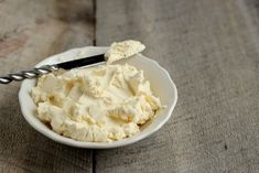 Homemade Cream Cheese Recipe - I didn't know it was that easy to make! :) #homesteading