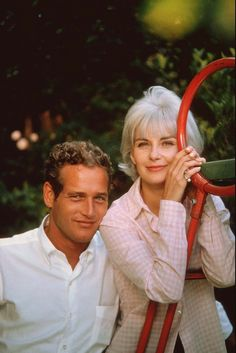 Joann Woodward, strong, extremely talented actress; married to the equally talented and my all-time-fav crush, Paul Newman.