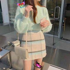 """Asian fashion on Instagram: """"1,2,3 or 4?💗 Make your choice 🌿"""" 𝕶𝖋𝖆𝖘𝖍𝖎𝖔𝖓 (@koreanstylez) • Instagram fotoğrafları ve videoları<br>"""