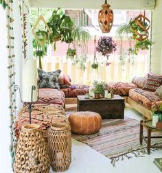 Boho Style Furniture and Decor Ideas Bohemian shabby stylish fashion is an enjoyable strategy to specific your inside wanderlust. Rustic bohemian impressed accents create a heat beloved a. Boho Living Room, Living Room Decor, Moroccan Decor Living Room, Moroccan Room, Moroccan Furniture, Living Rooms, Morrocan Decor, Moroccan Interiors, Estilo Boho
