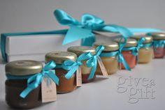 Caixa com 7 sabores de brigadeiro gourmet de colher. Para encomendas ou mais informações envie e-mail para contato@giveagift.com.br