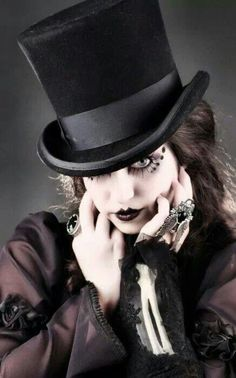 Goth. Gothic. Model unknown. Photography. Steamgoth SJF