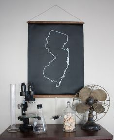 "DIY Idea: Make a Chalkboard State Map (From ManMadeDIY.com - a ""crafting for guys"" website - awesome!)"