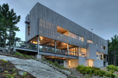 Modern four bedroom seaside retreat recently designed by MacKay-Lyons Sweetapple Architects located in Halifax, Nova Scotia, Canada. Houses Architecture, Residential Architecture, Amazing Architecture, Contemporary Architecture, Interior Architecture, Architecture Portfolio, Design Exterior, Interior And Exterior, Luxury Interior