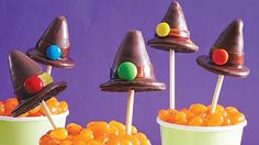 Add one more dessert treat to your Halloween party table with these creative witch hat cake pops – moist bites of Betty Crocker® SuperMoist® devil's food cake mix and Rich & Creamy chocolate frosting on a stick.